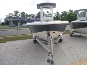 New 2018 Robalo R246 Center Console Power Boat for sale